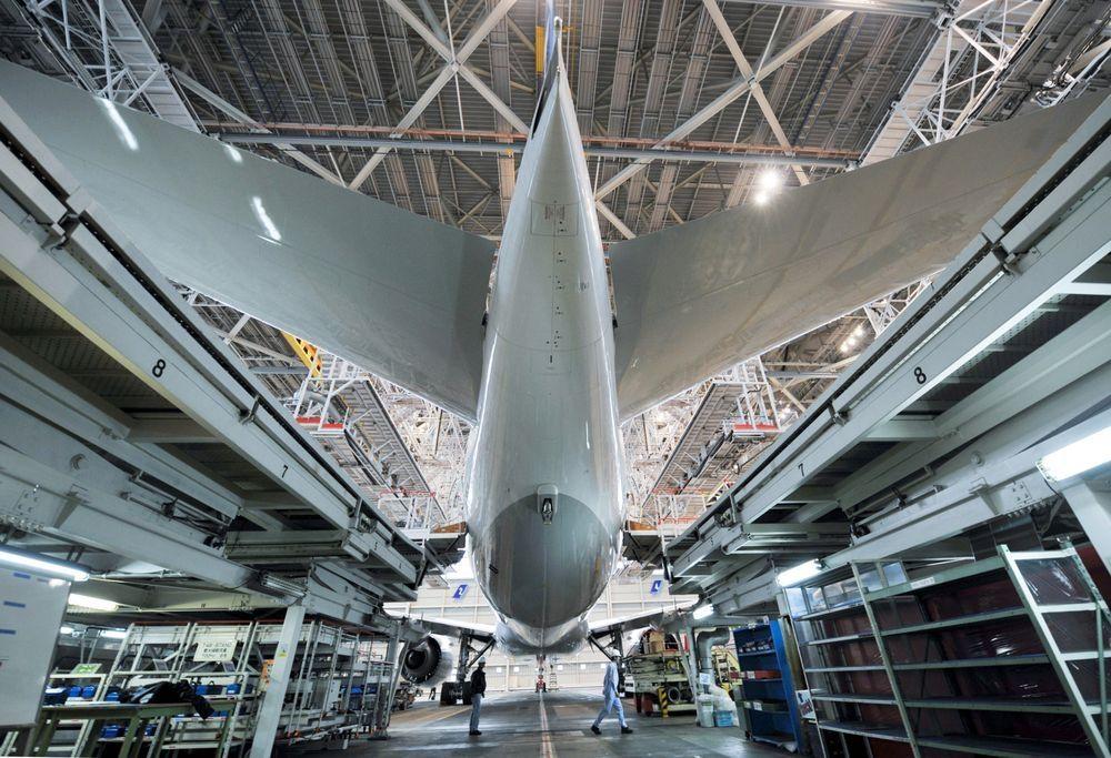 电商提升航空货运需求 波音考虑二手777客改货