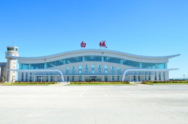 白城机场通航一周年 运送旅客5.43万人次