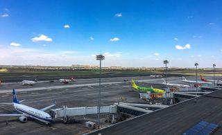 乌机场一季度旅客吞吐量和航班起降架次比翼齐飞
