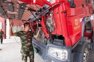 博鳌亚洲论坛年会进入实战阶段,消防兵每日认真进行检修工作,全面做好应对突发安全事件的准备