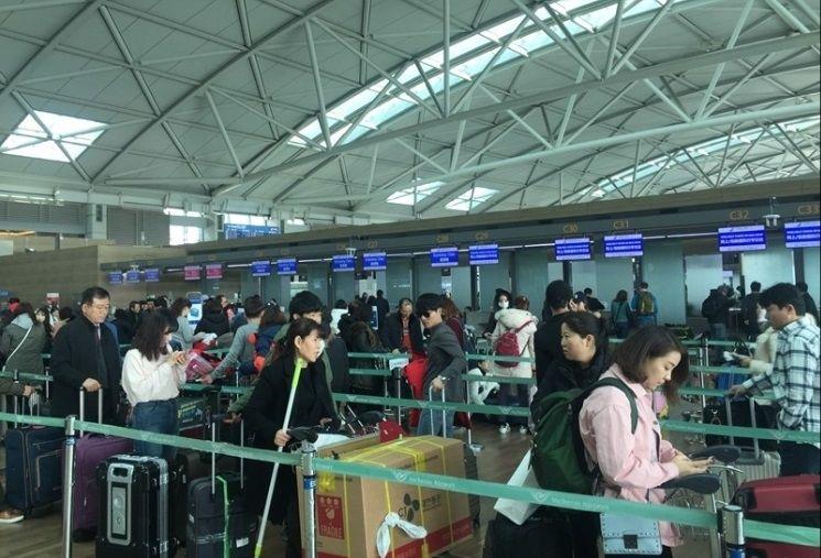 身戴电子脚镣 仁川机场一名强奸犯竟成功过检