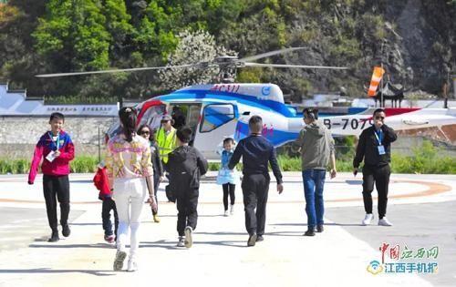 江西婺源县第一个空中游览项目正式诞生