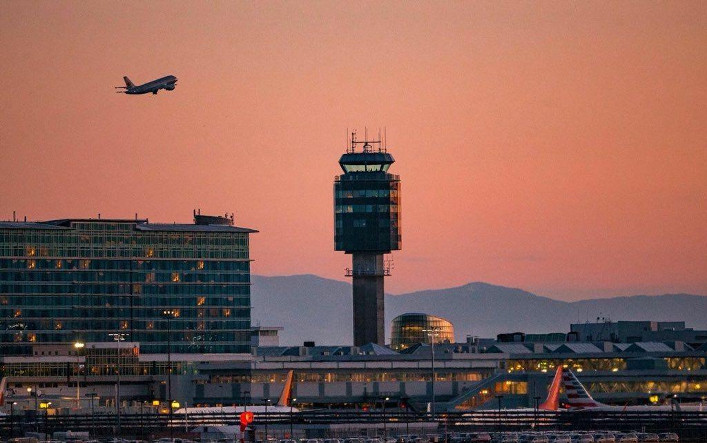 温哥华国际机场