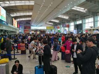 受大雾影响 大连机场启动大面积航延黄色预警