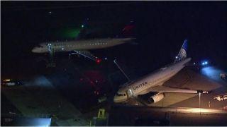 伯班克机场两机机翼剐蹭,无人受伤