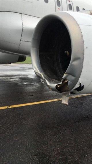 阿斯塔纳航空客机冲出跑道 发动机受损
