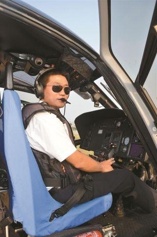 飞行员胡波:职业飞行15年 安全飞行7000小时