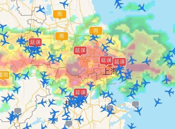 长江中下游强降雨  上海两场延误航班800余架次