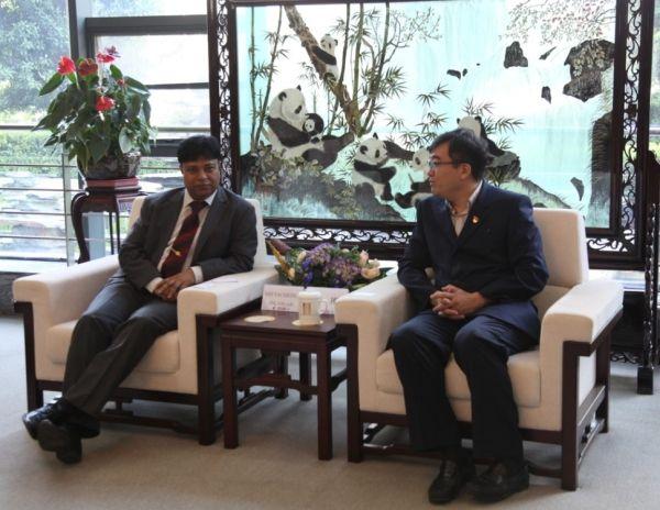 东航云南副总经理李刚会见孟加拉国驻昆总领事