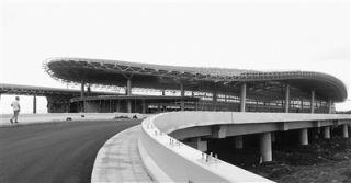 赣州黄金机场改扩建工程新建T2正在紧张施工