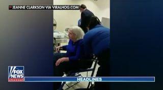 视频:96岁轮椅老妇遭TSA侵犯式搜身惹争议