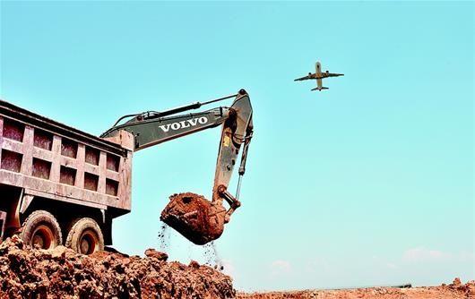 三峡机场二期施工正酣