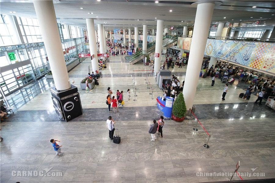 澳门国际机场与旅客共迎端午佳节