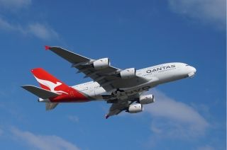 澳航班机遭遇尾涡乱流 空中猛然俯冲十秒钟