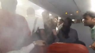 为迫使乘客下机 亚航机长把机舱空调开到最大