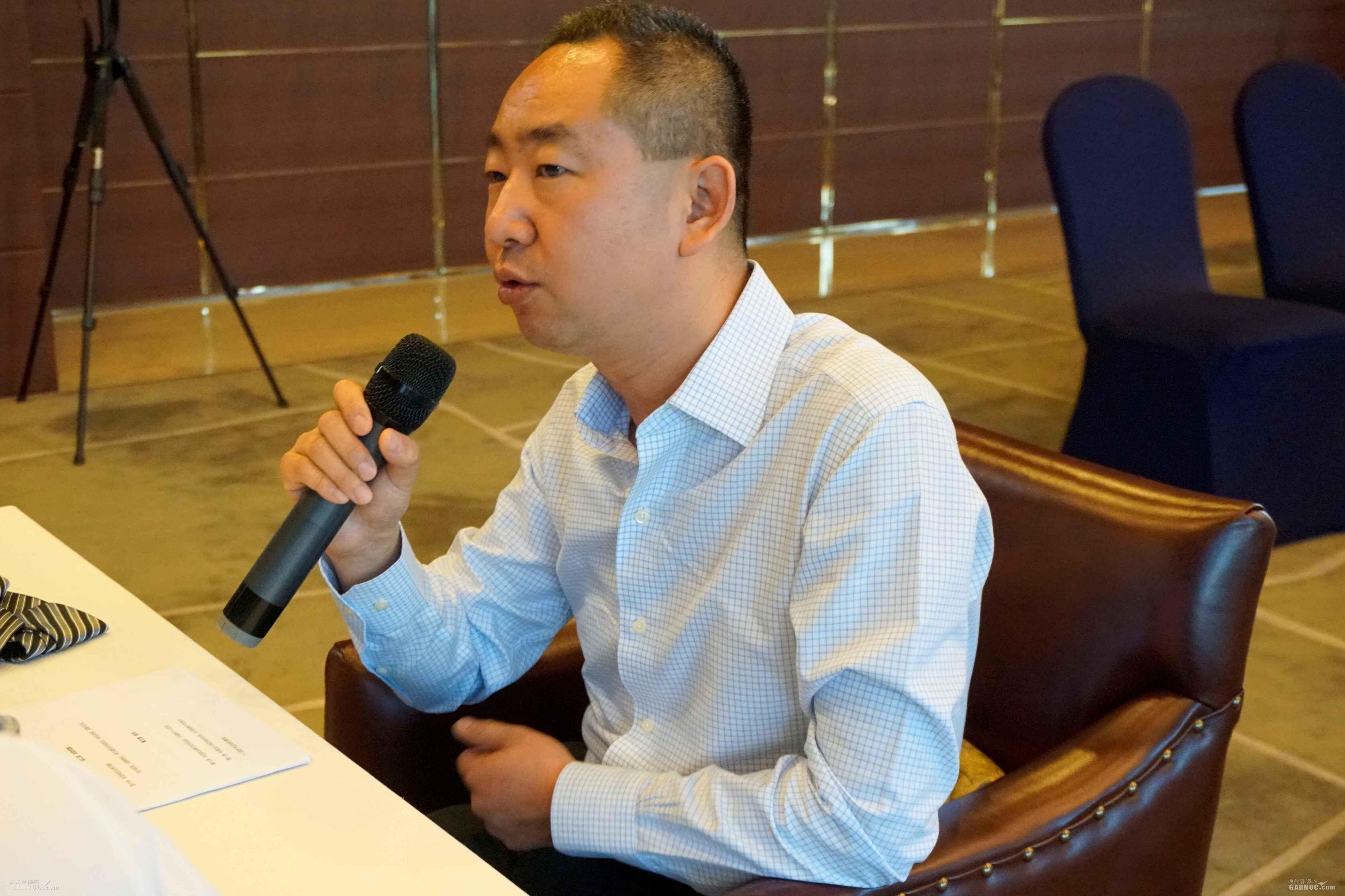 北京商务航空协会会长张鹏(海航通航投资集团运营总裁兼金鹿公务执行董事长)。