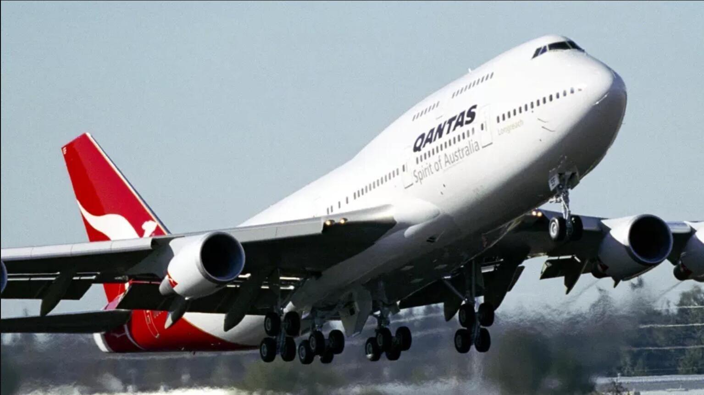飞�_飞行员短缺 澳航用巨无霸747执飞部分国内航线