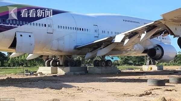 地里有飞机!泰国村民一觉醒来被波音747惊呆