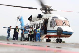 南航通航4架直升机运送209人返回海上石油平台