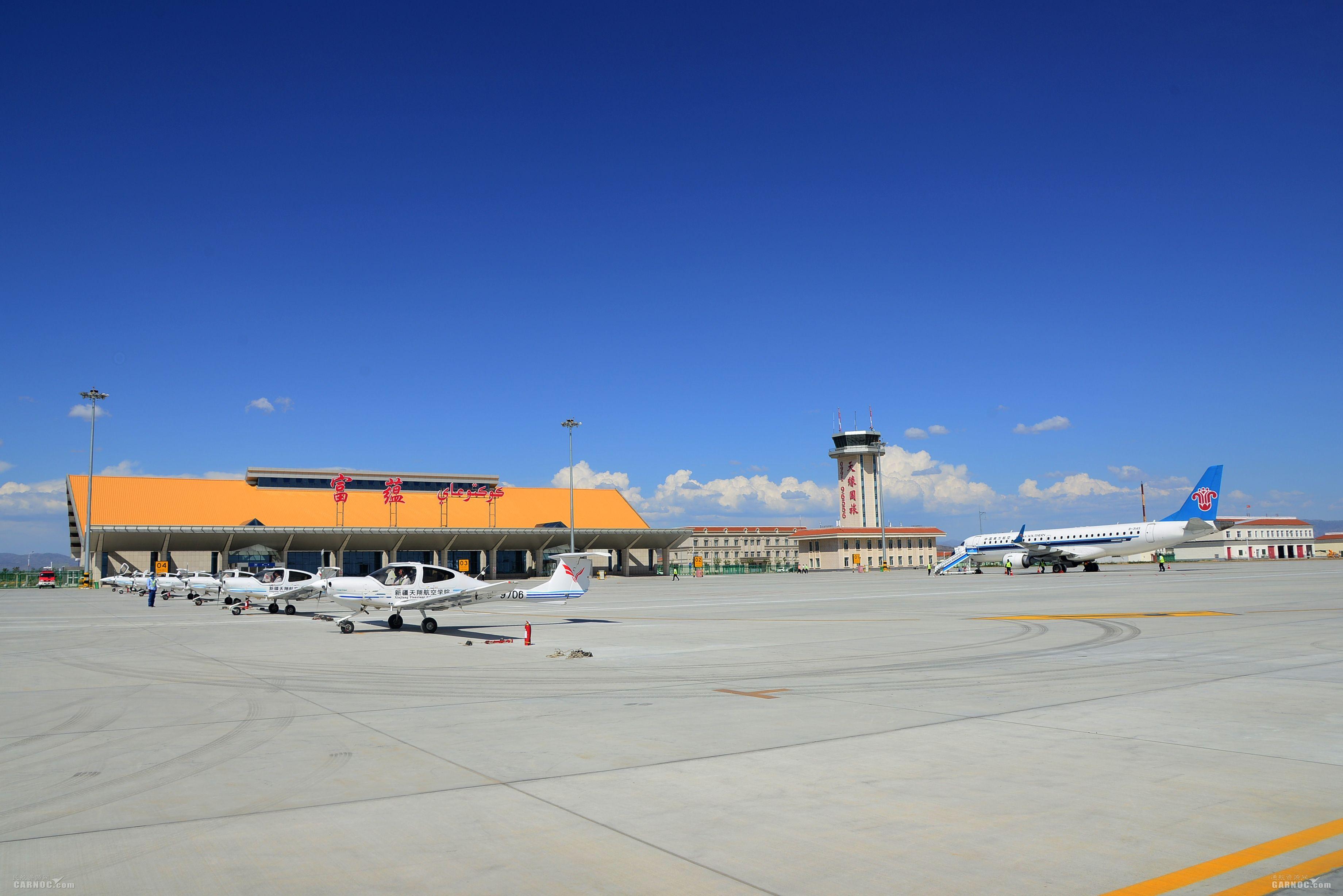 富蕴可可托海机场运输旅客突破10万人次