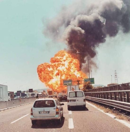 意大利博洛尼亚机场附近发生爆炸 火球直冲天空