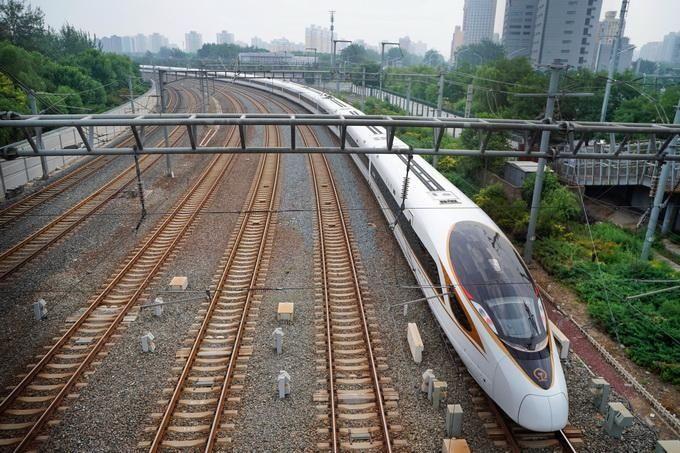 北京搭高铁直达香港有望下月实现 最快9小时