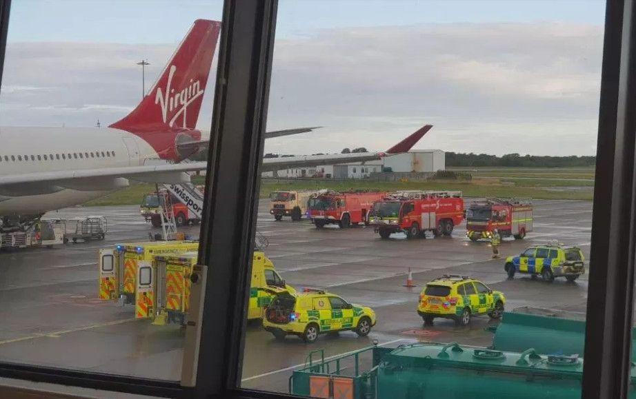 维珍航空客机驾驶舱出现烟雾   紧急备降爱尔兰