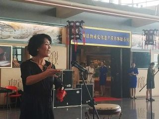 打造人文机场  天津机场喜迎红色文艺轻骑兵