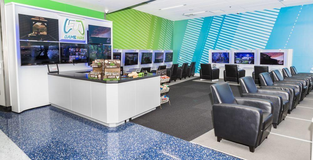 拯救候机无聊 美国2家机场推出电子游戏休息室