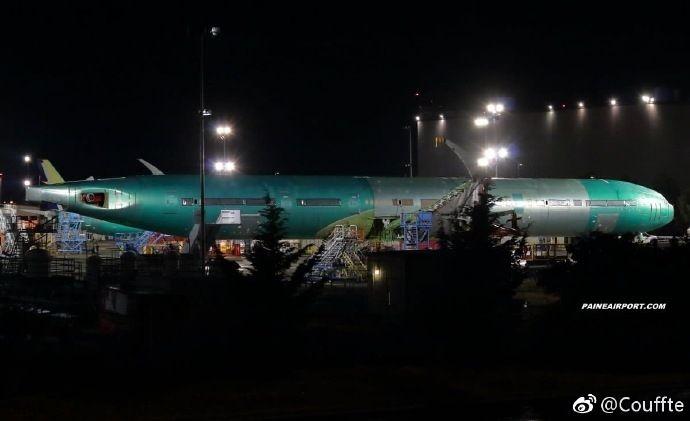 波音777x首架测试机下线 将用于静力测试