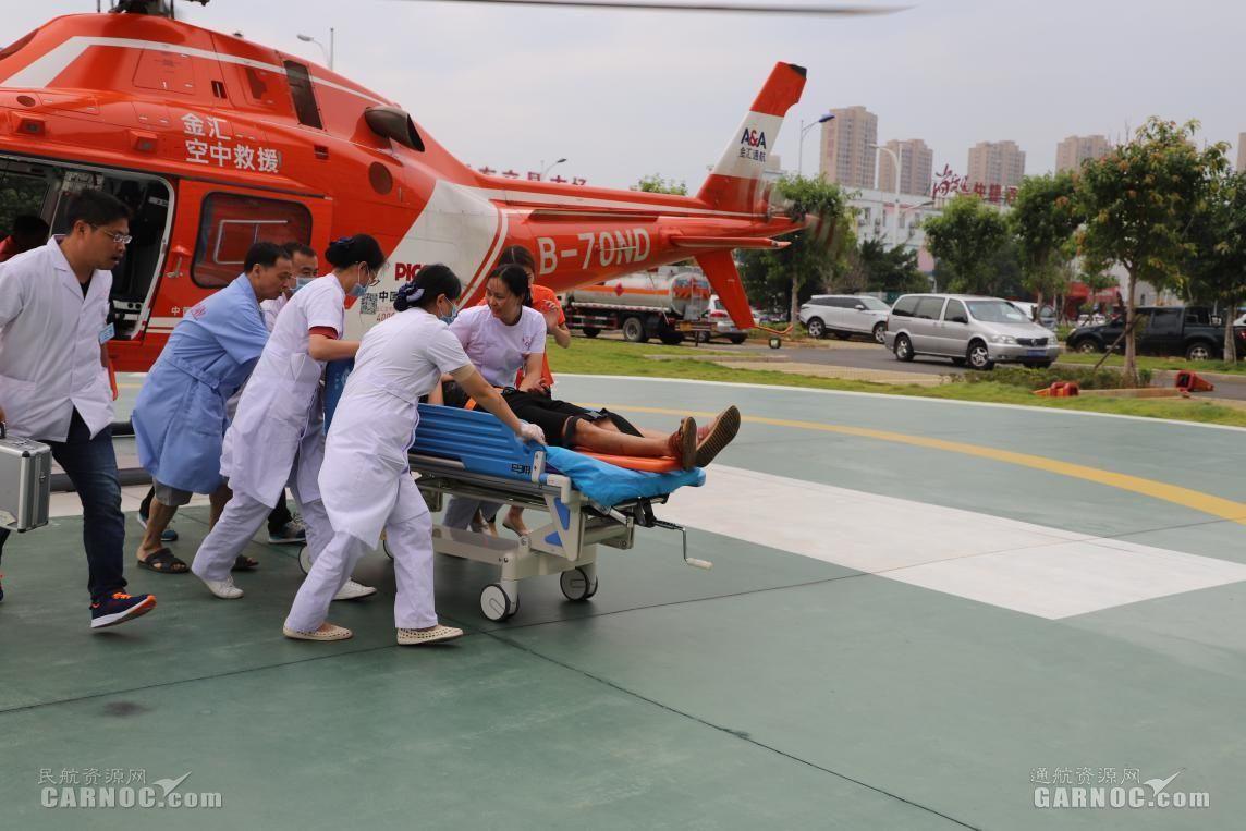 警保联动 直升机首次参与城市道路车祸事故救援|新闻动态-飞翔通航(北京)服务有限责任公司