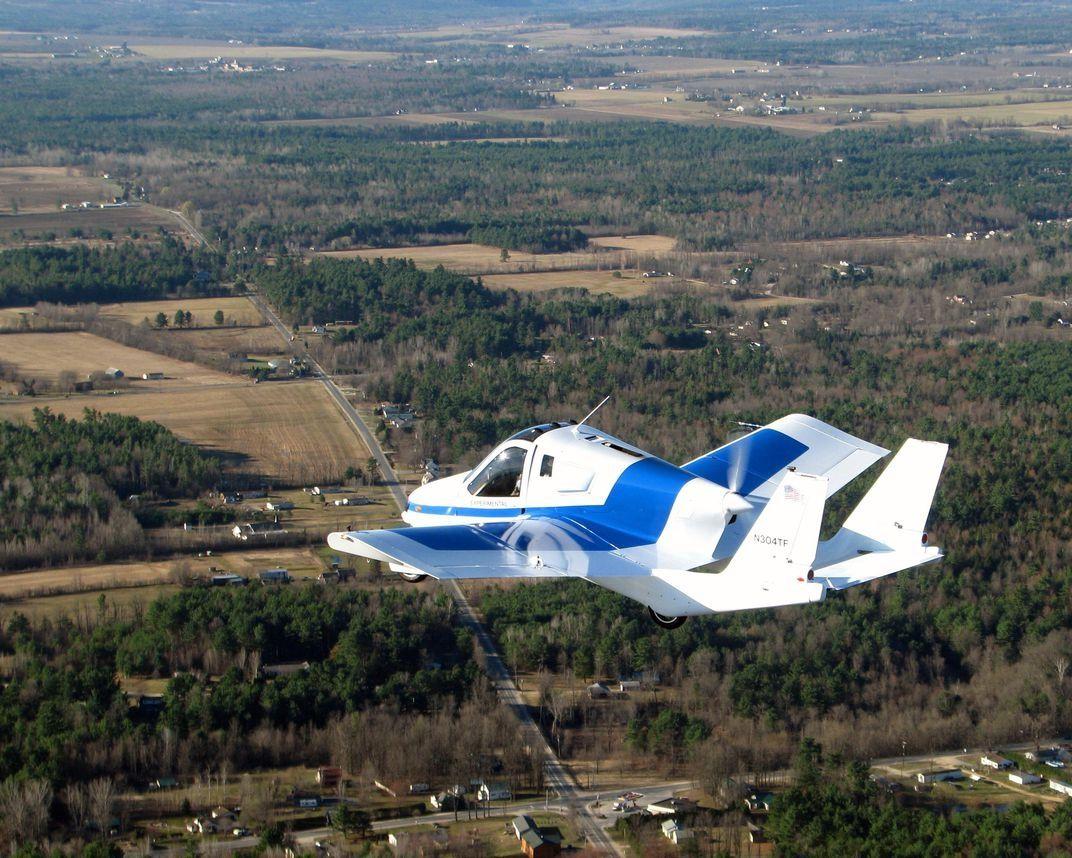 吉利旗下全球首款量产飞行汽车10月预售