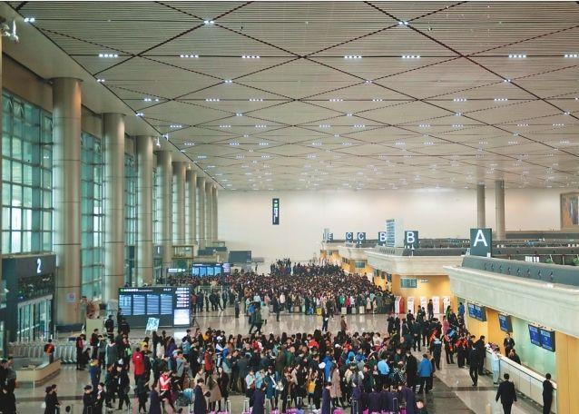"""""""三级跳""""中的哈尔滨国际机场"""