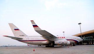 2013年10月23日,俄罗斯总理梅德韦杰夫伊尔96型专机群降落在合肥新桥国际机场,此次专机群共有2架伊尔96型大型飞机、两架空客320型中型飞机和伊尔76等大中型运输机共7架。