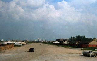 1994年9月拍摄的三里街机场跑道原址