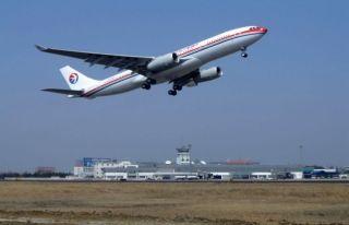 东航空客A-330飞机在合肥机场进行本场训练