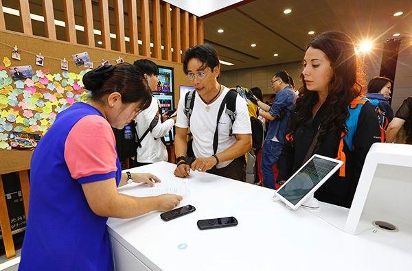 上海兩大機場啟用全新旅游咨詢服務中心
