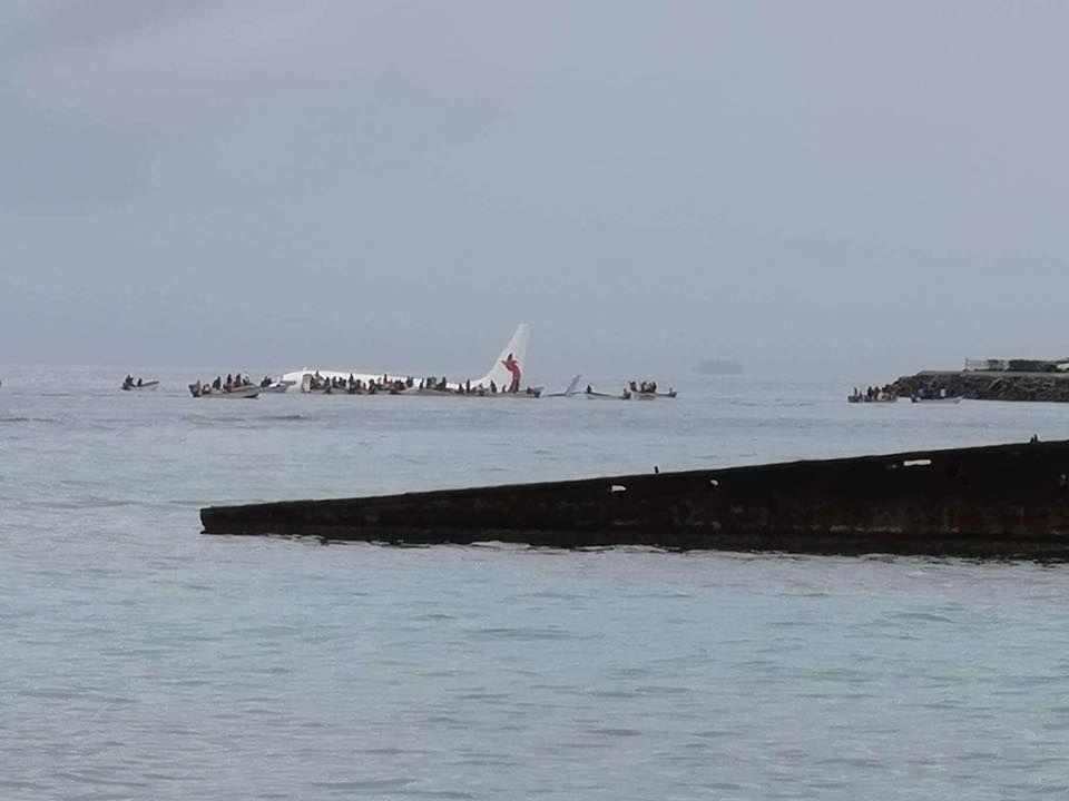 新幾內亞航空客機沖出跑道落海 人員均安全