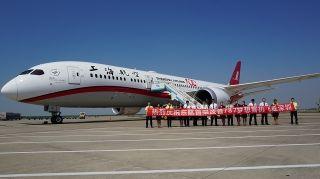 东航首架波音787梦想客机今日飞抵深圳