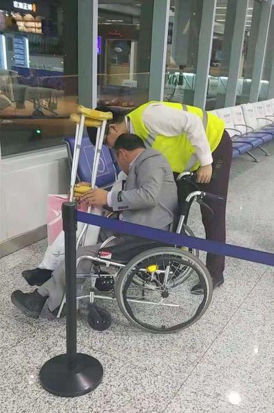 乌鲁木齐航空国庆假期保障轮椅旅客出行