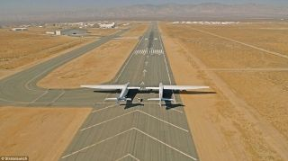 全球最大飞机完成关键滑行测试 首飞在即