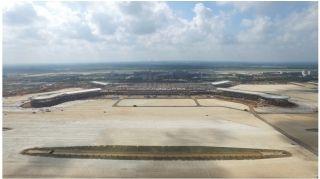 美兰机场T2航站楼钢结构屋盖正式完成封顶