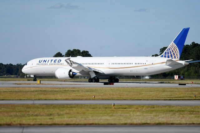 民航早报:美联航接收其首架787-10梦想飞机