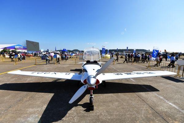 XF21飞机获中国首张实验类飞机国籍登记证|新闻动态-飞翔通航(北京)服务有限责任公司