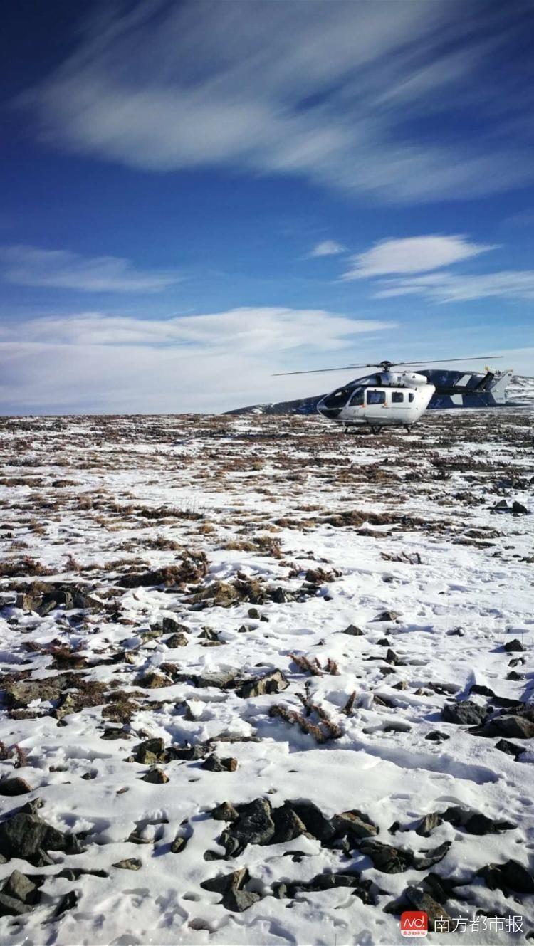 两中国游客蒙古失踪多日 家属雇直升机搜救无果