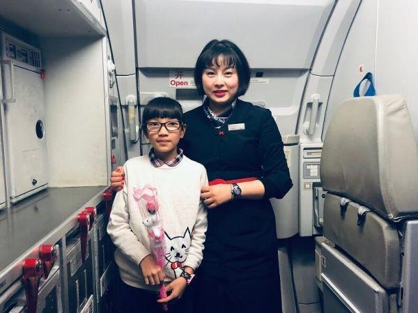东航四川双十一 为11岁小乘客过生日