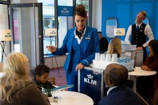 为了让德国人知道KLM是什么?荷兰皇家航空这次变身为银行、餐厅、电台