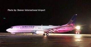 美联航客机降落后冲出跑道 无人受伤