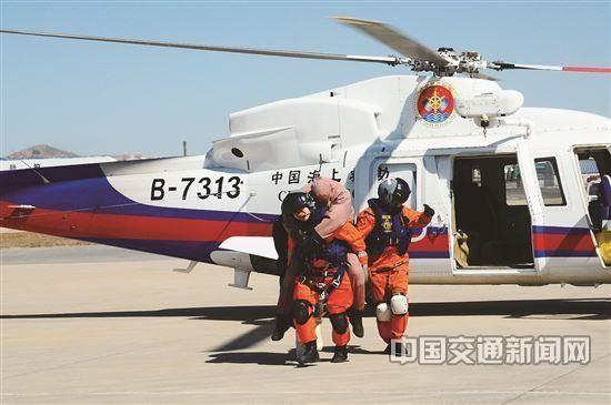 记北海第一救助飞行队首批自有直升机B-7313