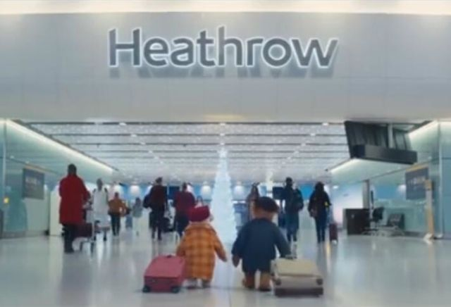 希思羅機場圣誕暖心廣告上線 泰迪熊夫婦今年怎么過圣誕?